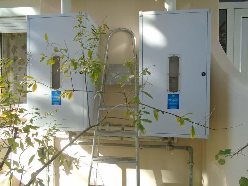 Τοποθέτηση Προστατευτικών Ερμαρίων και Διαχωριστή Caleffi